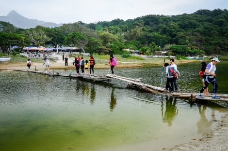 A makeshift bridge at Ham Tin beach that leads to the refreshment stalls. Basically a bunch of rickety planks strung together with string and wires!