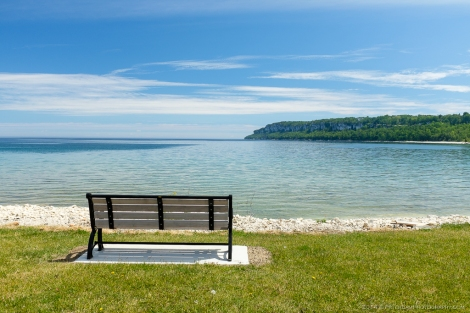 Lions Head beach bench image